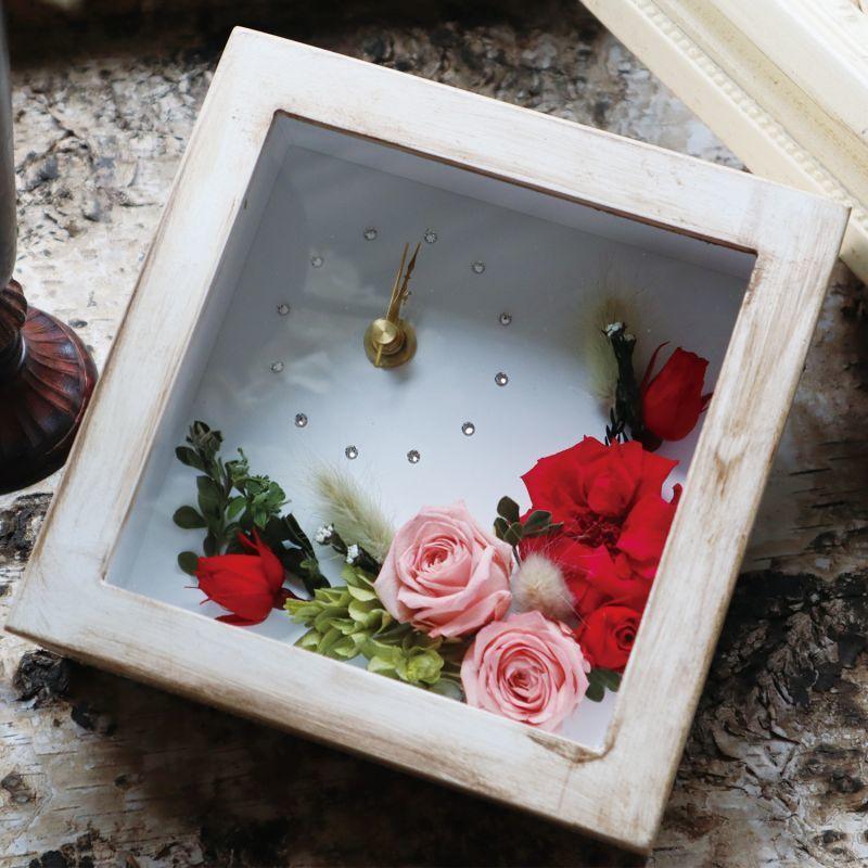 手のひらサイズ、かわいい小さな花時計